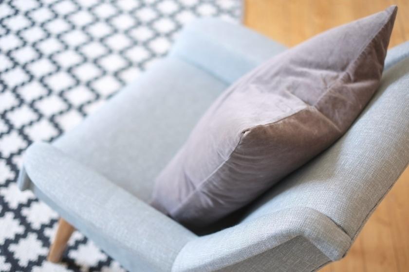 Vanhan nojatuolin entisöinti 4 / Kauniit neliöt